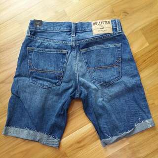 BNWT Hollister Men Denim Shorts In Size 28