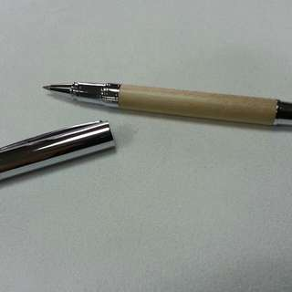 🚚 高級楓木,花梨木,胡桃木,觸控鋼珠兩用筆。亮烙,德國鋼珠筆心 Schneider 鋼珠筆心,好寫 ! 好用 !