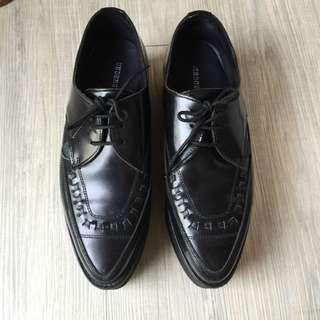 限時降價‼️UNDERGROUND 尖頭厚底鞋