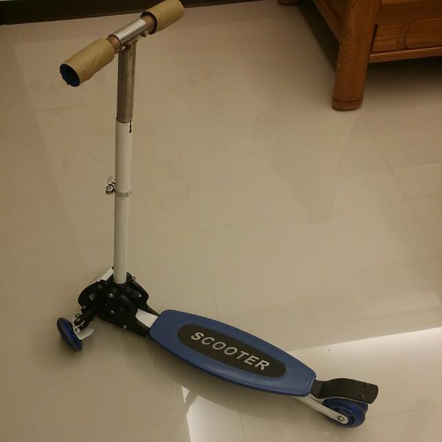 (售出待匯)兒童滑板車