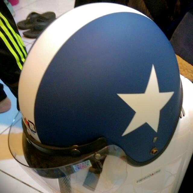 藍底星星安全帽