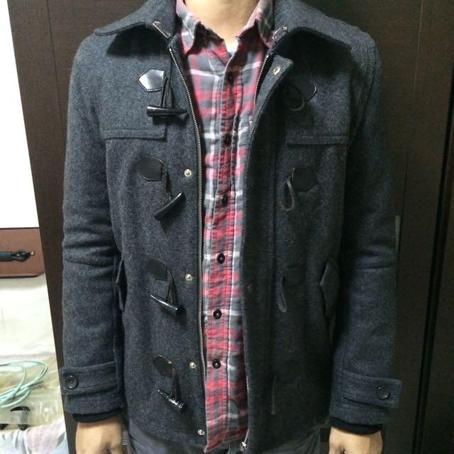 深灰色毛呢排釦外套