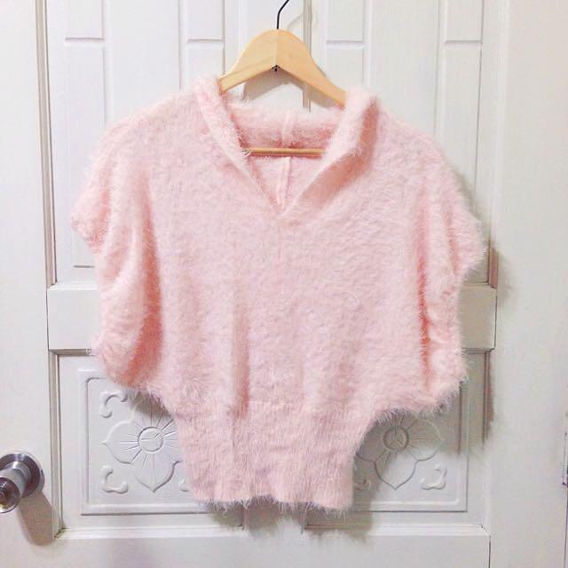 全新 粉色 粉紅 毛毛 毛絨 保暖 秋冬 短版 連帽 上衣