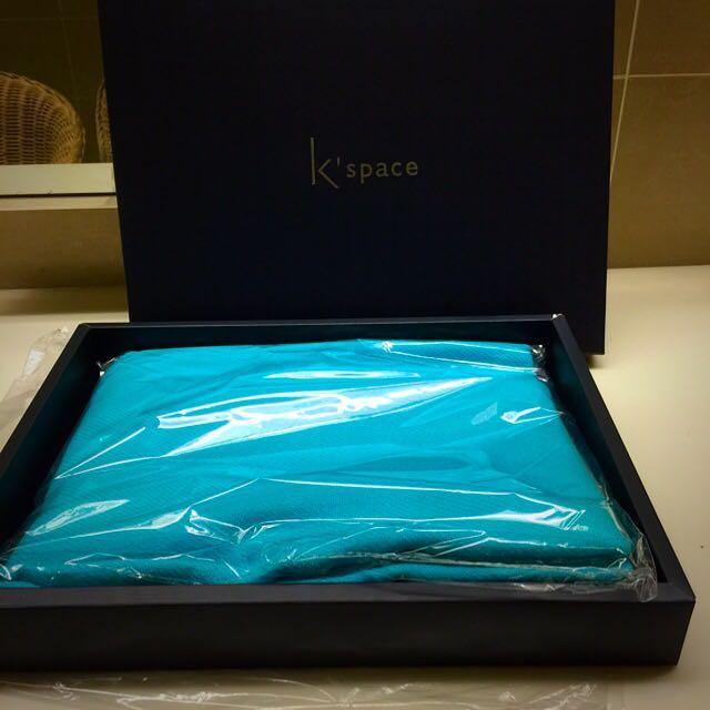 全新 寶藍K'space 披肩 圍巾