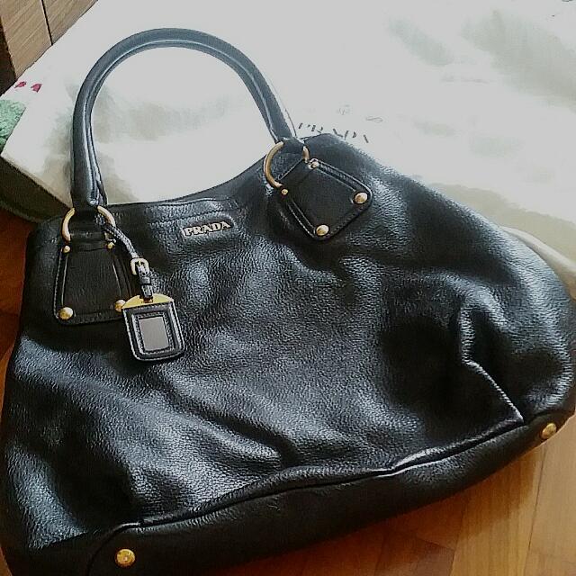 eb1fdf25b719 Prada Cervo Antik Deerskin Shoulder Bag, Luxury on Carousell