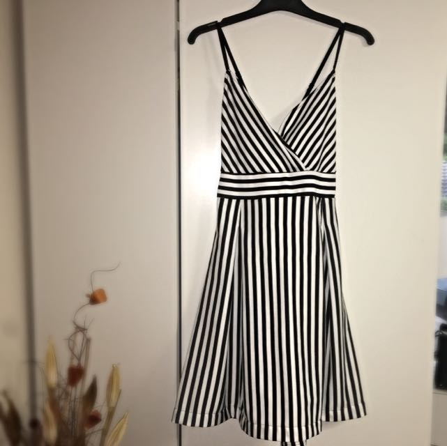 Sass black & White Dress SIZE 14