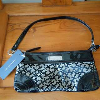 AUTHENTIC TOMMY HILFIGER WRISTLET (BRAND NEW)