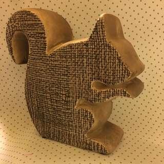 暖暖陶瓷擺飾存錢罐-松鼠