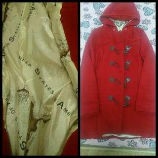 紅色牛角大衣