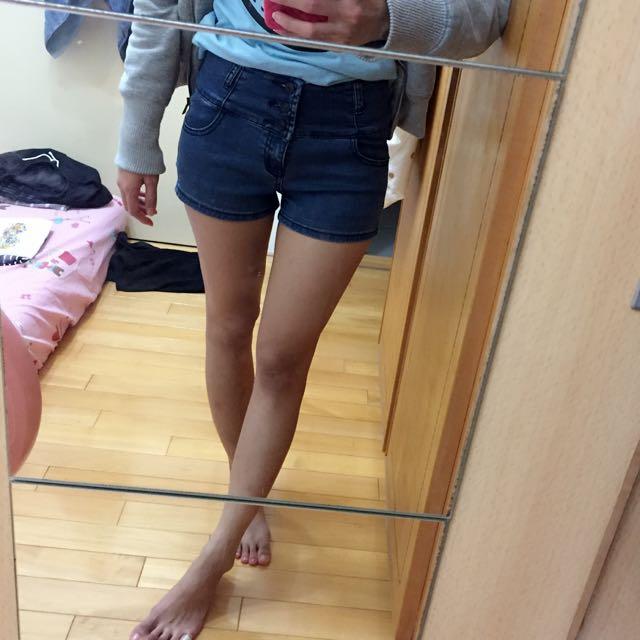 《二手》排釦高腰牛仔短褲