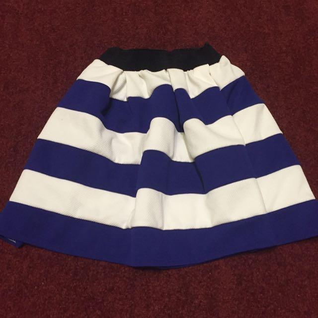 東區購入 短裙