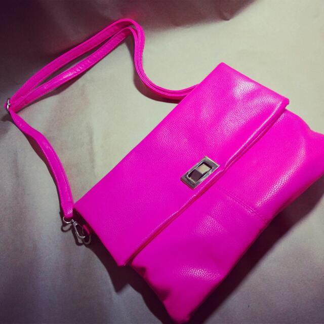 螢光粉紅色 大方包 大手拿包 二手出清 金屬有質感