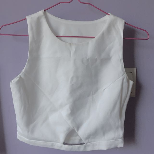 [INSTOCK] WHITE CROP TOP