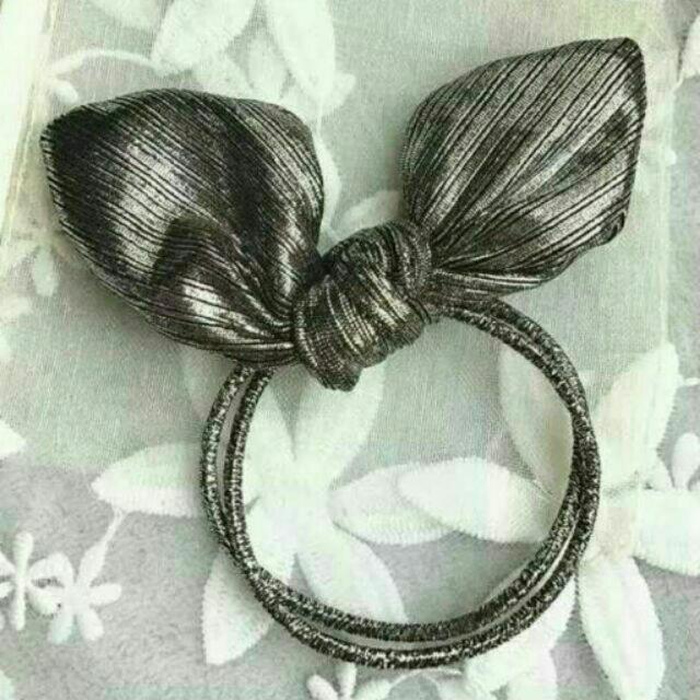 銀灰色亮絲立體兔耳朵蝴蝶結髮圈髮束