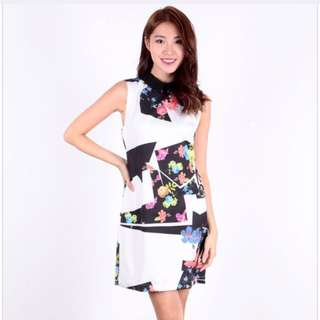 Dressabelle: BNIB Abstract Floral Collar Dress size S