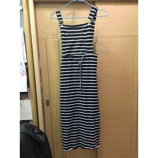 黑白條紋吊帶長裙