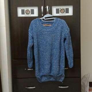 (保留中)藍白混色前短後長毛衣