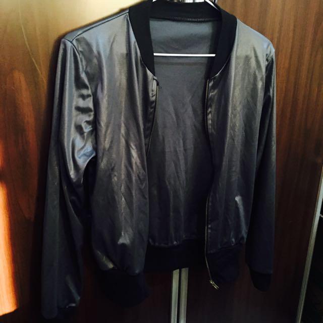 黑色皮質外套