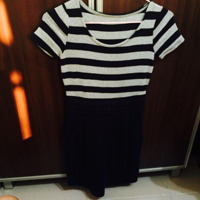 灰黑條紋洋裝