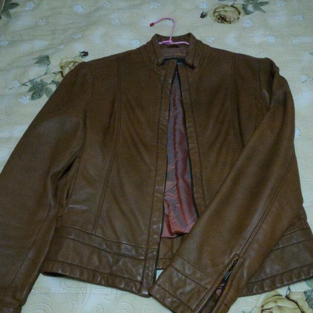 駝色真皮短版皮衣,二手,少穿,含運