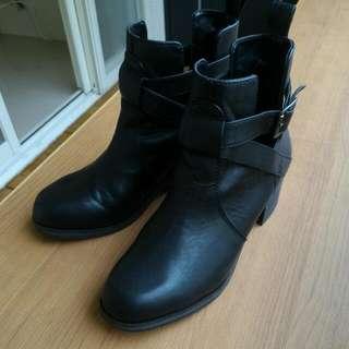 Pull&bear短靴