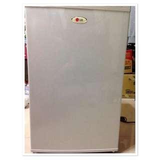 二手LG小冰箱(價錢誠可議)