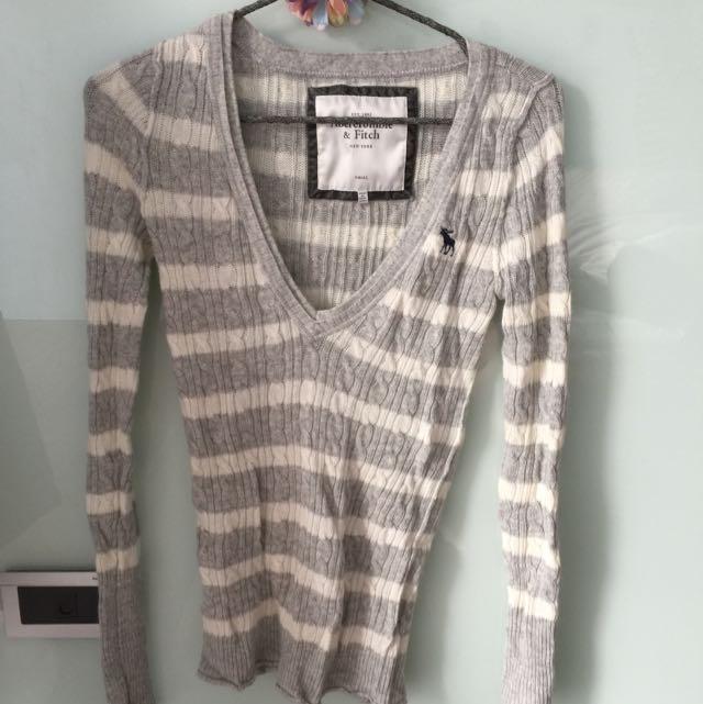 全新正版A&F低V領彈性針織毛衣(草綠/灰白條紋二色)