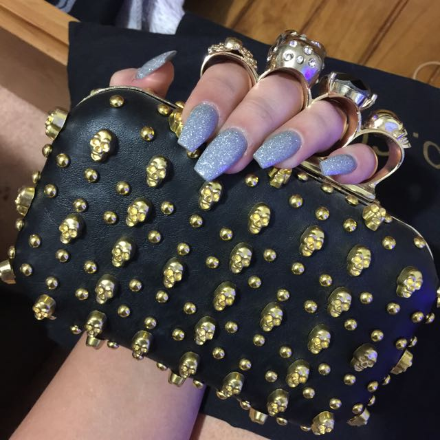 Awesome Skull Clutch