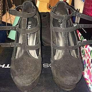 Velour Mollini heels