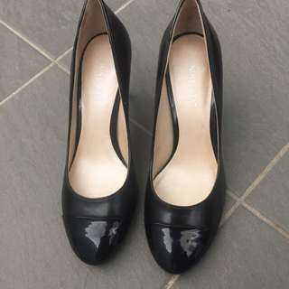 Nine West Classic Black Court Heels