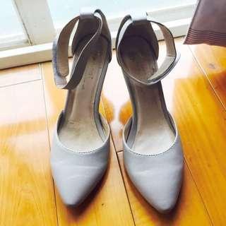 八成新-amai 魔鬼氈繫帶優雅尖頭跟鞋 灰色