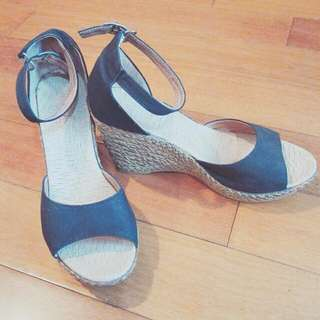 楔形高根涼鞋