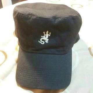 Agnes b. 小b 軍帽
