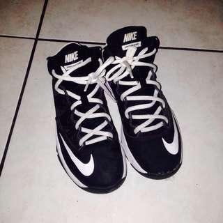 NIKE籃球鞋23cm