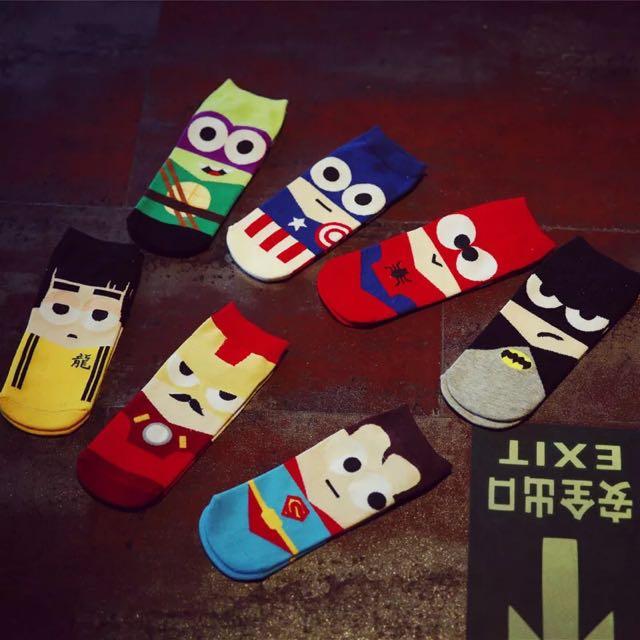 🎁🎁英雄⚜超人☀️鋼鐵人💘李小龍⭕️蜘蛛人💯可愛短襪一盒7雙♥️