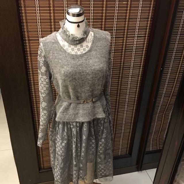 立領蕾絲長洋裝