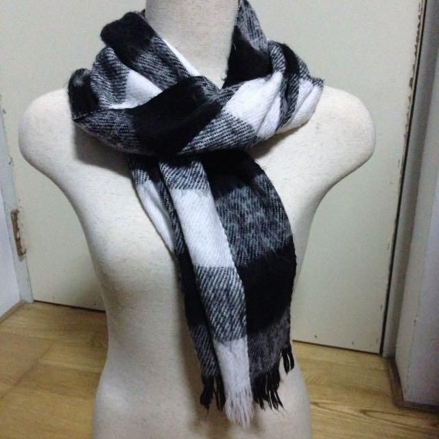 黑白交錯圍巾
