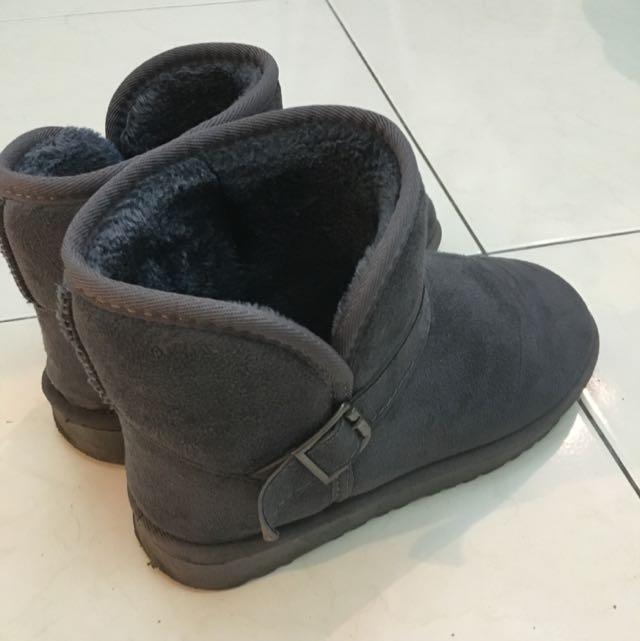 二手 灰色短筒雪靴