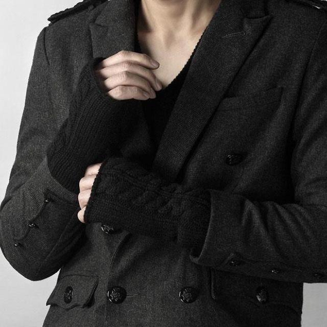 短版合身 劍領雙排釦  西裝外套 歐洲風格 毛呢混織 大仁哥品牌 BCDC