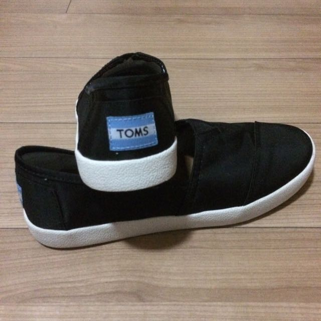 3fd52055a3b8 TOMS Black Coated Canvas Women s Avalon Slip-Ons