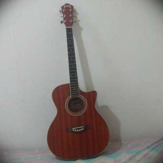 原木吉他  很新(保留)