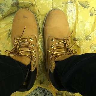 Timberland經典黃靴