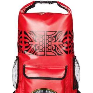 不怕下雨天 時尚紅防水包 後背包