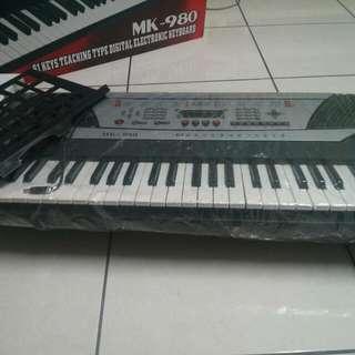 二手MK-980  61鍵電子琴