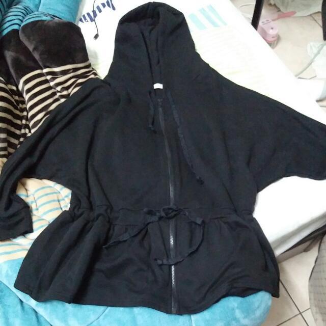 黑色飛鼠袖縮腰外套
