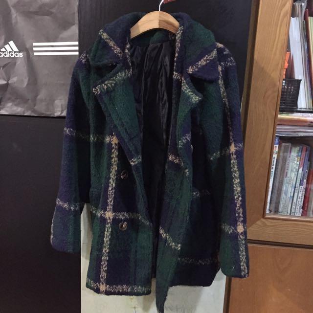 綠色格紋大衣
