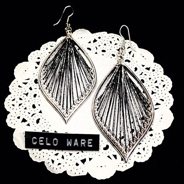 歐美 線條 時尚耳勾式耳環 Earing / CELO WARE