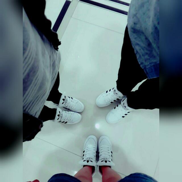Adidas三葉草大舌鞋白色情侶款(共三雙)