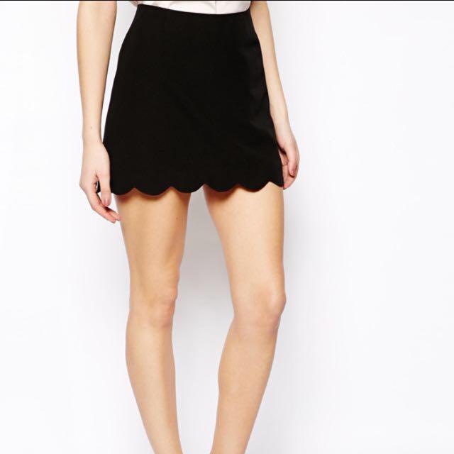 ad2cc9b9e Black Scallop Skirt, Women's Fashion on Carousell