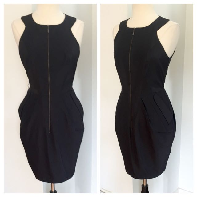 Cue in The City Zip Up Dress. SIZE 12